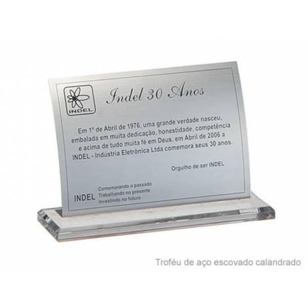 Placa de Prata no Jardim Denise - Placas de Homenagens