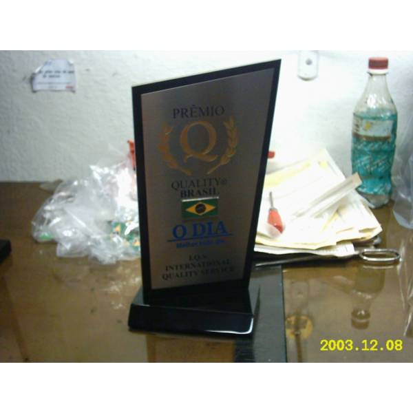 Troféu com Gravação Digital UV Valores no Conjunto Promorar Fernão Dias - Troféu com Gravação Digital Uv